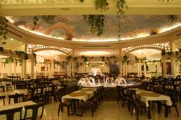 080609_largest_restaurant_1